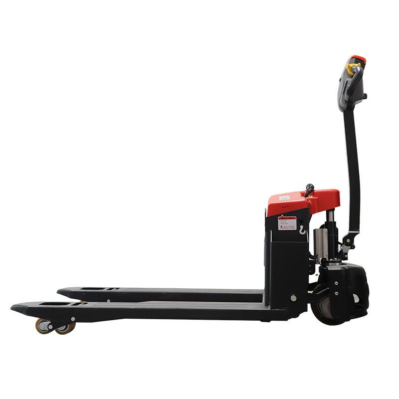 小型电动搬运车厂家叉车托盘选用注意什么