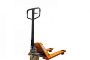 仓储叉车厂家定制手动托盘搬运车使用基本步骤