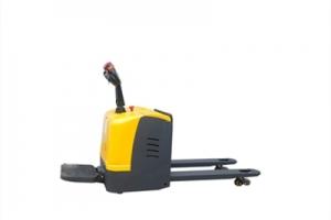 仓储叉车厂家:电动叉车充电时需要注意什么