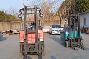 电动叉车在行驶工程中都有哪些容易忽略的问题呢?
