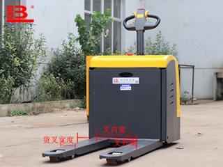 全电动托盘搬运车使用的托盘有哪些规格?