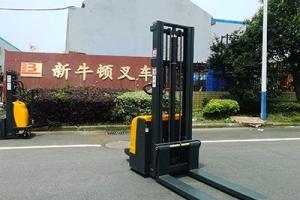 电动液压叉车全自由提升门架的优点